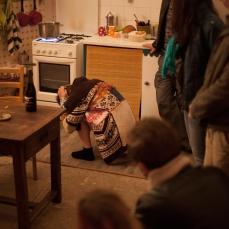 Flo dans la cuisine